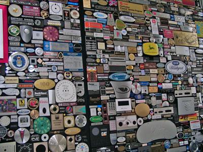 nameplate-wall